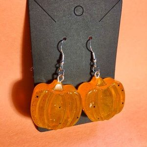 Pumpkin earrings by nvz